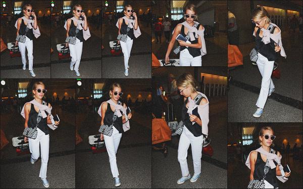 . 27.06.18 - Emma Robertsa été aperçue arrivant à l'aéroport de Lax se situant dans la ville de'' ▬ ''Los Angeles, Calif ! Après plusieurs jours sans nouvelle Emma a été vue arrivant à l'aéroport de Lax avec une amie, je la trouve superbe, un top pour sa tenue .