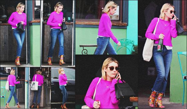 . 19.03.18 - Emma Robertsa été photographiée quittant le restaurant'«Pace Joint »' situé auSunset Blvd'▬''in'WH ! La belle blonde a été vue quittant le restaurant de Sunset Boulevard en ce 19 mars. Côté tenue, j'aime le pull, mais un bof pour les bottes .