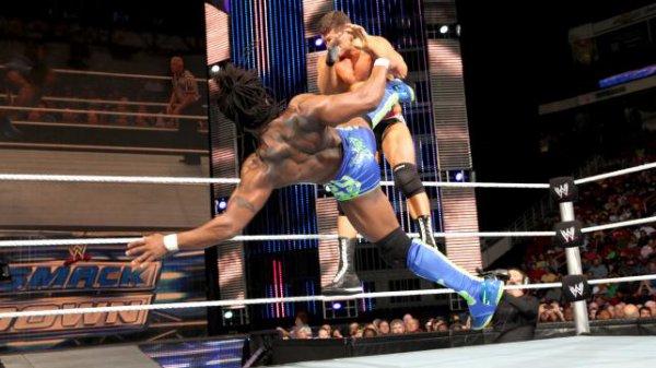 Ambrose gagne ; Orton attaque Show et tous les resultats de SD