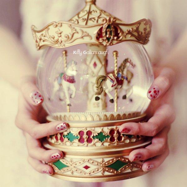 . . J'ai eu besoin de la perdre pour comprendre que la saveur des choses retrouvées est le miel le plus doux qu'il nous est donné de connaître.   .  .