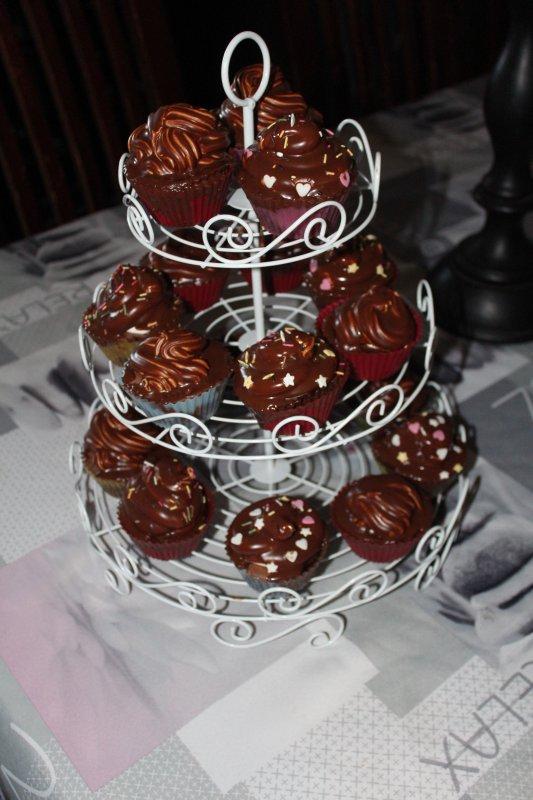 envie de faire des cupcakes :) chocolat meringue  une première :)