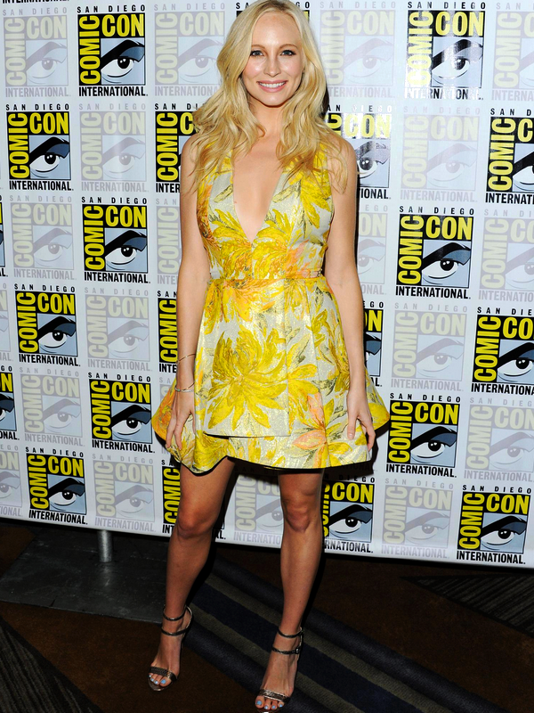 "♥Candice Accola ♥11 Juillet 2015 - Comic-Con International - ""The Vampire Diaries"" Press Line"