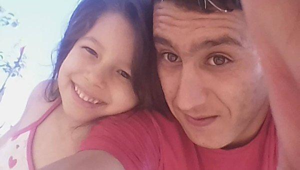 je suis à la maison avec ma charmante ma niece