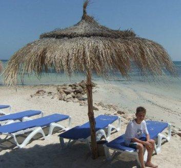 tellement ouff la tunisie un de mes meilleur voyage avec tout ma famille reunis pour un soir :D
