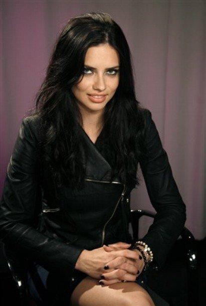 Le 19 mai 2011 : Adriana pose pour un portrait à New-York
