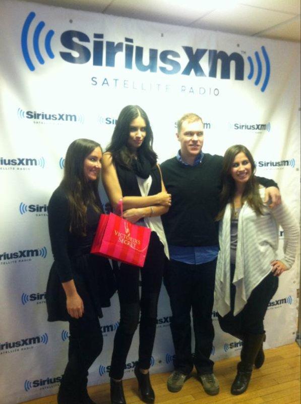 "le 08/2/2012 : adriana a la radio ""Sirius XM"""