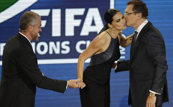 Le 1/12/12 : Adriana pour Official Draw FIFA Confederations Cup Brazil 2013
