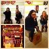 le 29/12/2012 : Adriana Lima au Candy Store à Los Angeles avec Tracy Behr