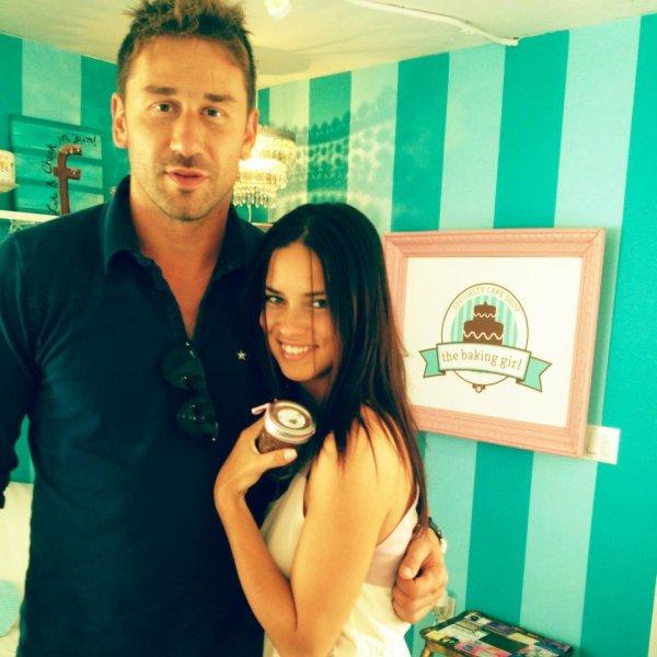le 3/04/2013 : Adriana et Marko à Miami dans la boutique the baking girl