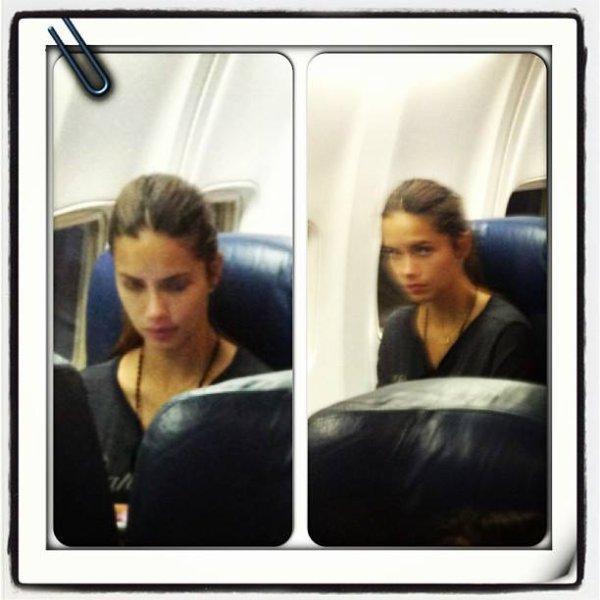 """le 2/8/2013 : Adriana dans un avion à Airport """"JFK"""""""