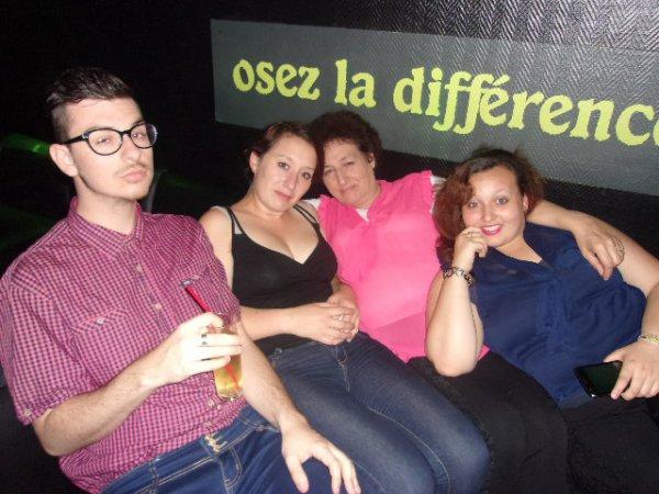kenzo,chouchou,marine,prissou, ma mère et moi grosse soirée mercredi soir <3 <3