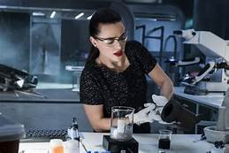 Morgana dans son atelier