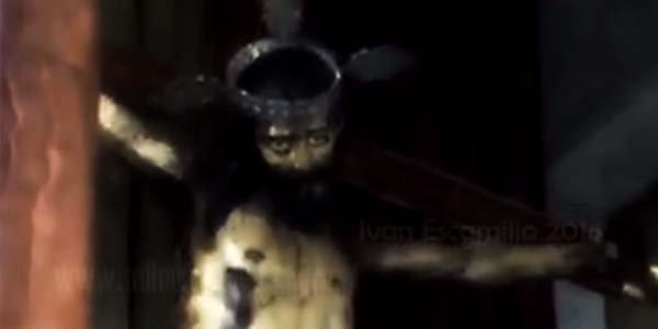 Une Statue de Jésus Aurait Ouvert Les Yeux Au Mexique