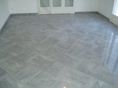 Pose de carrelage gres cerame pleine masse poli en for Pose carrelage en diagonale