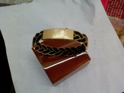 bracelet poil d 39 elephant or porte bonheur mes oeuvres. Black Bedroom Furniture Sets. Home Design Ideas