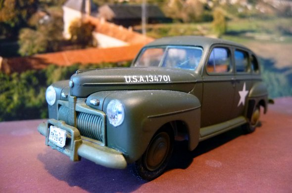 U.S. ARMY STAFF CAR - FORD model 1942  - 1/48 éme