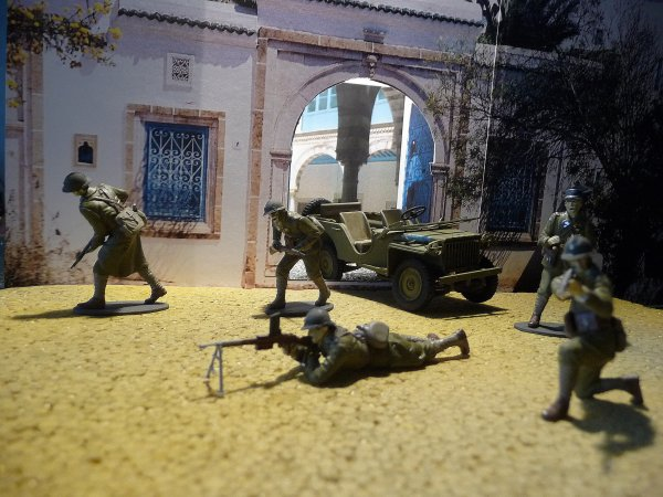 SUD TUNISIEN 1942-1943-   L'ARMEE D'AFRIQUE REPREND LES ARMES.