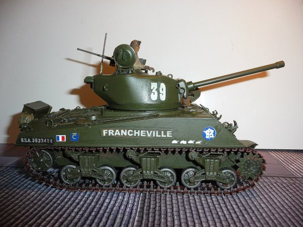 SHERMAN M4A3  76mm  - 2éme DB - 501 éme RCC - 3é compagnie- FRANCHEVILLE