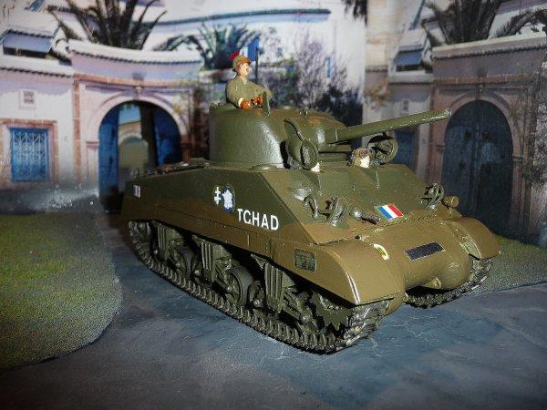 TEMARA (Maroc) 11 novembre 1943- 1ére prise d'armes de la 2éme DB- Char du Général LECLERC