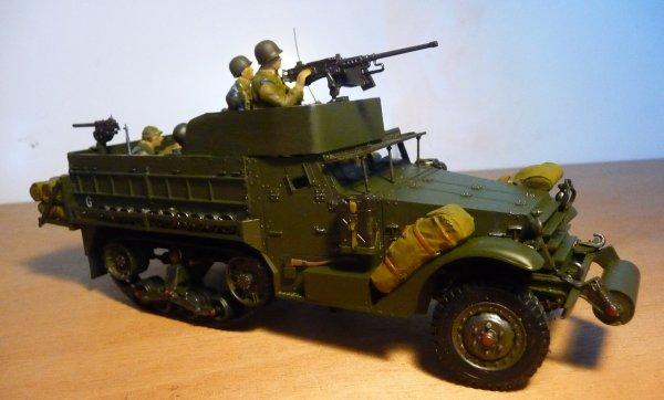 TAMIYA 1/35éme -  HALF TRACK  M3A2  -  M21  -  M16