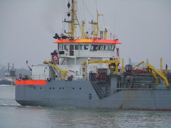 Petite balade à Dunkerque. La drague Amazone.
