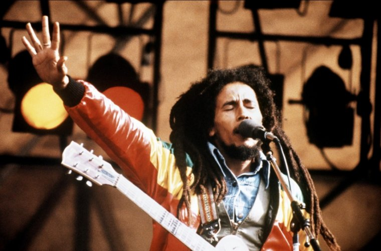 """ Bob Marley , the king of reggae ""           -"
