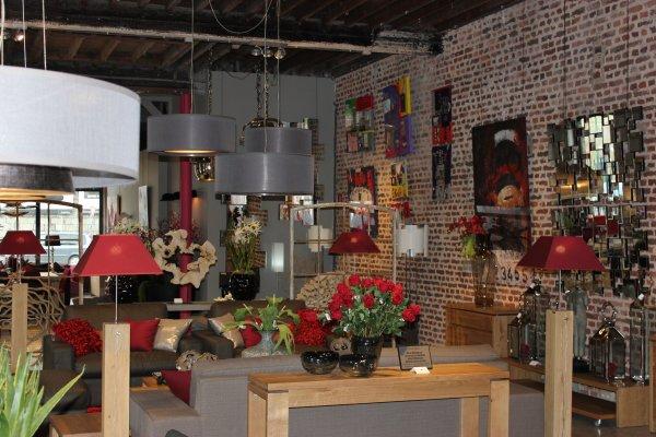 """Toiles """"Rgallery by Reno"""" disponibles 2 mois chez Jour & Nuit à Verviers ( 16 Boulevard de Gérarchamps, 4800 )."""