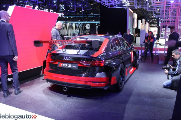 Paris 2016 : Audi RS3 LMS