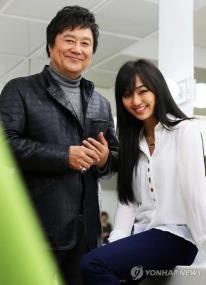 L'Elvis Presley Coréen (Nam Jin) contre la Beyonce Coréene (Hyolyn) INTERVIEW