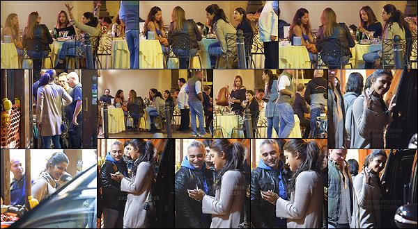 09 octobre 2017 : La belle actrice a été aperçue lorsqu'elle dînait avec des amies dans la belle ville de Rome, en Italie. Priyanka est en Italie pour le tournage de Quantico. Elle est donc tout près de nous. Je la trouve toujours aussi souriante, c'est un amour de femme.
