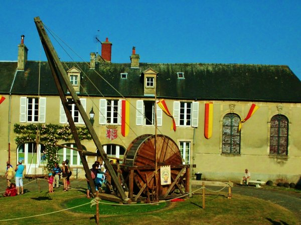 "BAYEUX MEDIEVAL ""MAGIE NORMANDE"""