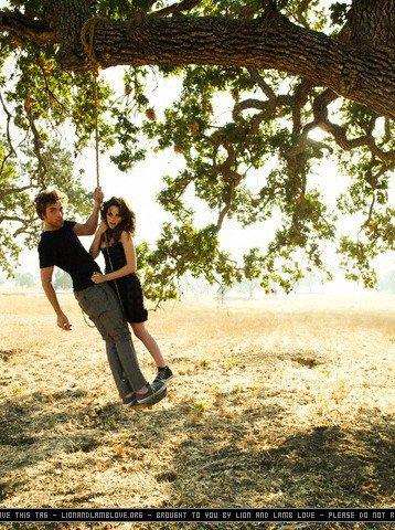Kristen & Robert ----> En couple : plus aucun doute !