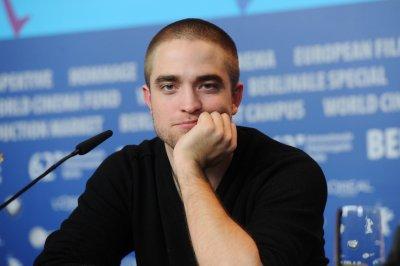Rob reprendrait le rôle d'Edward une sixième fois ? + La famille Pattz au complet à Berlin ! - Bientôt les Kids Choice Awards: Rob est nominé ! - Anniversaire Ashley Greene.+ encore une nouvelle affiche de 'Bel Ami' !