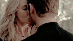 Vampire diaries Caroline et Klaus