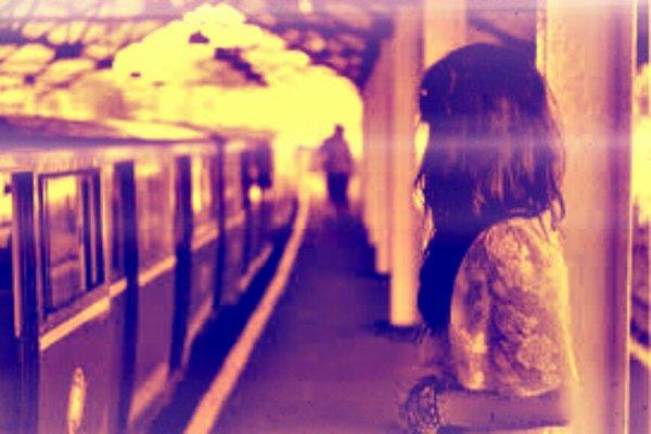 En suivant le chemin qui s' appelle plus tard, nous arrivons sur la place qui s'appelle jamais