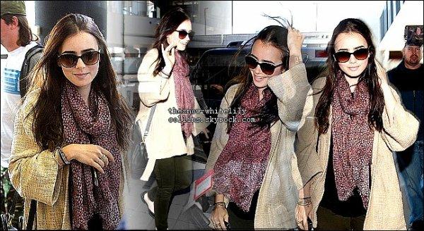 Arrivée de Lily à l'aéroport de LAX AEROPORT, LA le 26 mai