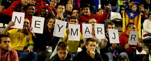 Les fans de FC Barcelone et Neymar accueille