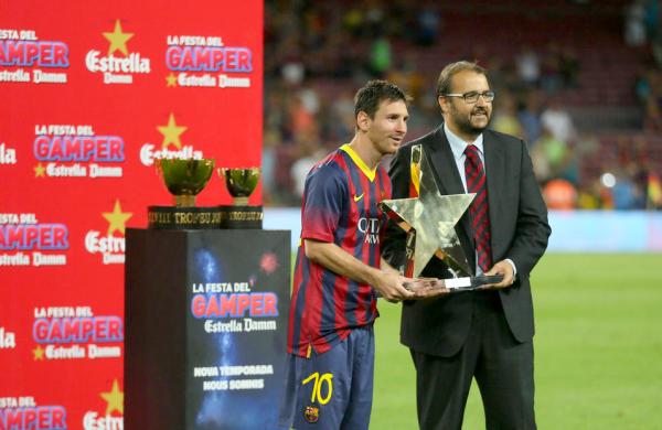 Leo Messi reçoit le Trophée Joan Gamper MVP