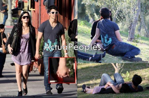"""Joe Jonas et Demi Lovato ensembles?!    ... Le seul célibataire des Jonas Brothers, Joe Jonas, n'est plus un c½ur à prendre. Chez Disney, on ne forme pas que des stars pour enfants, on forme aussi des couples.Alors que Nick Jonas, le plus jeune du trio, s'était rapproché de Selena Gomez, la jeune sorcière de Waverly Place, son frère a littéralement craqué pour Demi Lovato. Les deux acteurs s'étaient rencontrés sur le tournage de Camp Rock avant de tomber dans les bras l'un de l'autre.Dans une interview radio, le présentateur Billy Bush a demandé à la jeune femme de 17 ans si elle était déjà sortie avec l'un des Jonas Brothers, en l'occurrence Joe. Après avoir décrit Joe comme son """"meilleur ami"""", Demi a fini par répondre à l'animateur, qui lui demandait s'ils étaient passés d'amoureux à amis : """"Non c'est le contraire !... Oui, nous sortons ensemble. Il est mon meilleur ami et il est incroyable.  Il est parfait. C'est un gentleman. Il me traite avec beaucoup d'égards"""". Et dire qu'en 2007 pour le tournage de Camp Rock , notre petite Demi nous avait affirmer qu'elle ne sortirait jamais avec l'un des frères """"Jonas"""" ... comme quoi faut jamais dire jamais . texte de moi , tout copier/coller merci de créditer sinon je signale ...   Alors , qu'en pensez-vous , coups de pub ou veritable love story ?! ... //// //// //// //// ///: [Ajoutes-moi à tes préférés] S'inscrire à ma newsletterN'oubliez pas de confirmer votre inscription grace au lien que l'on vous envoie dans votre boite mail, ou vous ne serez pas prévenus !"""