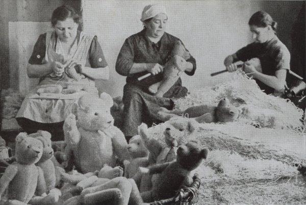Confection d'ours en peluche