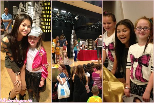 Zendaya a une séance de dédicace du Back To School Exposition en Albany le 8 septembre 2012.