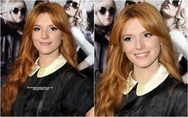 Bella, Dani, Kathryn et Caroline a la première du film Pitch Perfect le 24 septembre.