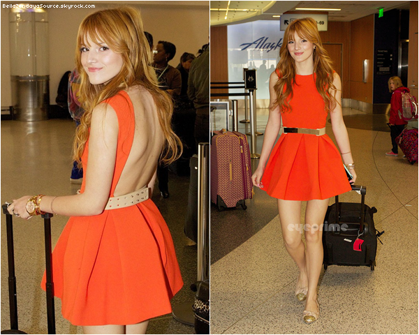 Bella toute souriante, a l'aéroport de LAX a Los Angeles, le 23 novembre 2012. Un gros Top !