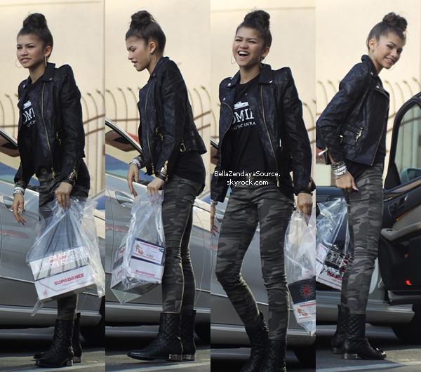 Zendaya allant aux répétitions de DWTS le 2 mai 2013.