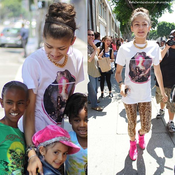 Bella allant voir Tristan à un match de basenball le 8 mai 2013.