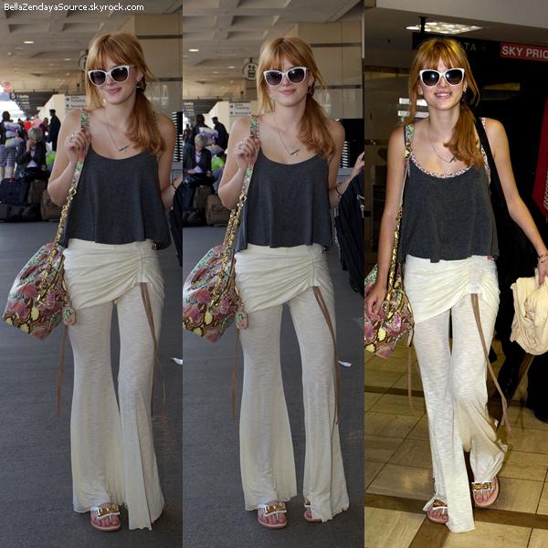 Ce 13 mai 2013, Bella et sa maman ont été aperçus à l'aéroport de LAX.