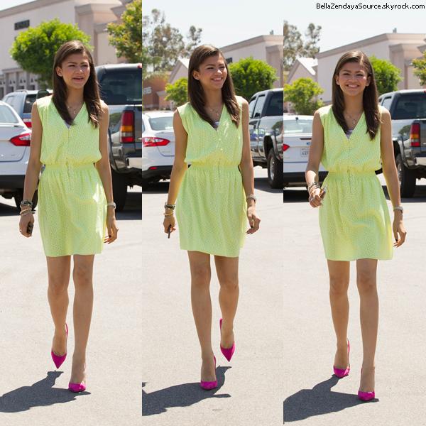 Zendaya arrivant au Marie Osmont Show à Los Angeles le 30 mai 2013, à Los Angeles.