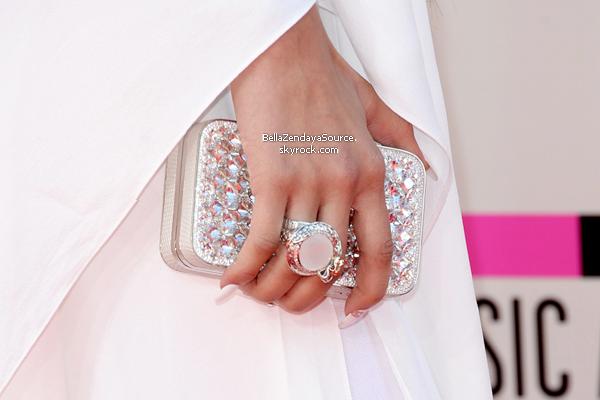 Zendaya aux American Music Awards le 24 novembre 2013.