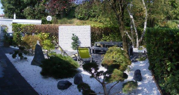amnagement dune zone repas en jardin japonais - Jardin Japonais En Pente