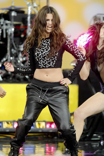 Look de Selena Gomez en live chez Good Morning America !